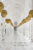 Beautiful white muslim churc interior, passageway — Stock Photo