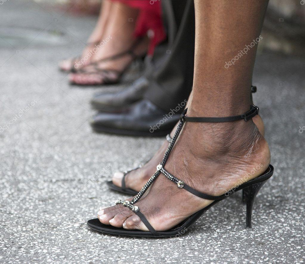 Женские ноги в туфлях   Гид по туфлям - мода, с чем