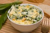 Salat von bärlauch entlang — Stockfoto