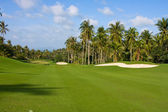 Landscape of a beautiful green golf course with sky. Island Koh Samui, Thailand. — Stock Photo