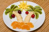 Kreativa fruktsallad — Stockfoto