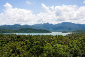 Vue panoramique sur les petites îles tropicales près de l'île de koh chang — Photo