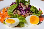 Tuna salad — Stockfoto