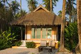Casa sulla spiaggia tropicale — Foto Stock