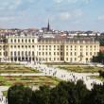 Schoenbrunn Palace and garden vienna — Stock Photo #11341445