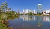 Skyline Uno City Vienna in summer at the Kaiserwasser — Stock Photo