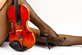 Resting with old violin. — Stock Photo