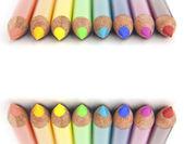 Gökkuşağı renkli kalemler — Stok fotoğraf