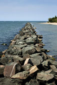 Rock pier an der see — Stockfoto