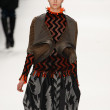 Issey Miyake - Paris Fashion Week - Foto de Stock