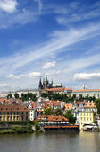 Prague Castle and St Vitus Cathedral — Stock Photo