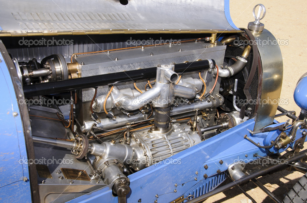 Detail view of a vintage race car engine — Stock Photo #10917335