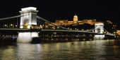 Chain bridge and Buda Castle at night — Stock Photo
