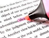 överstrykningspenna och ordet idé — Stockfoto