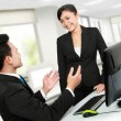 Office worker discussion — Stock Photo