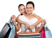 Ungt par shopping — Stockfoto