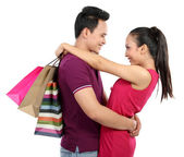 Giovane coppia shopping — Foto Stock