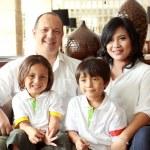 Happy family smiling — Stock Photo #11851355