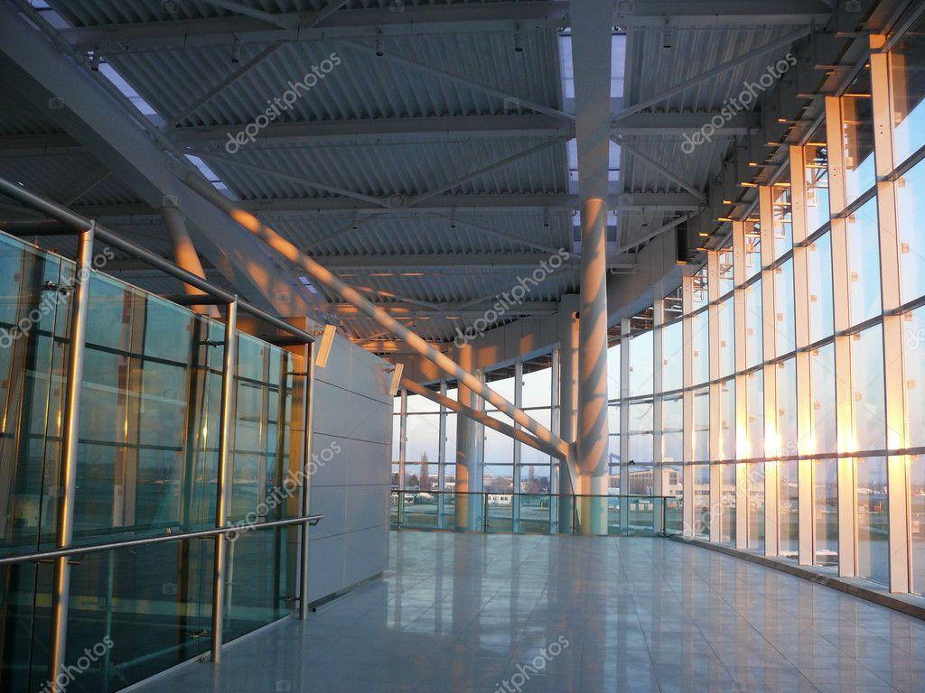 Aeroporto Bucarest : Aeroporto internazionale di bucarest otopeni — foto stock