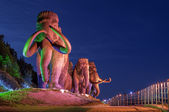 The statue of mammoths in the real value. Khanty-Mansiysk. Russia. — Stock Photo