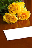 Roses with note — Stock Photo