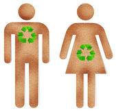 Ricicli il mestiere di carta per uomo e donna con verde segno — Foto Stock