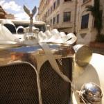 Wedding car on the street. — Stock Photo