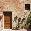 Tuscan home, Italy — Stock Photo #11760811