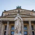 Постер, плакат: Statue of Friedrich Schiller Gendarmenmarkt Berlin