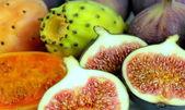 Fresh exotic fruits — Stock Photo