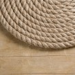 Ship ropes and knot on wood - Stockfoto