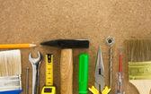 Herramientas en textura de madera — Foto de Stock