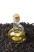 Ayçiçeği tohumu ve petrol — Stok fotoğraf