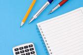 Kalkulator i notatki — Zdjęcie stockowe