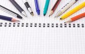 钢笔和铅笔用垫 — 图库照片