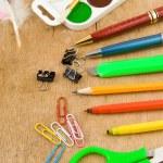 accessoires de bureau et école sur bois — Photo