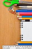 Volver al concepto de escuela y facturado portátil — Foto de Stock
