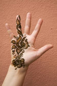 Henna on hand — Stock Photo