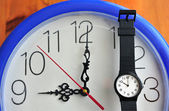 Daylight saving time (DST) — Stockfoto