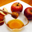 Jewish New Year - Rosh Hashanah - Apple and Honey — Stock Photo #10953914