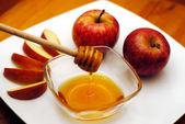 Jewish New Year - Rosh Hashanah - Apple and Honey — Stock Photo