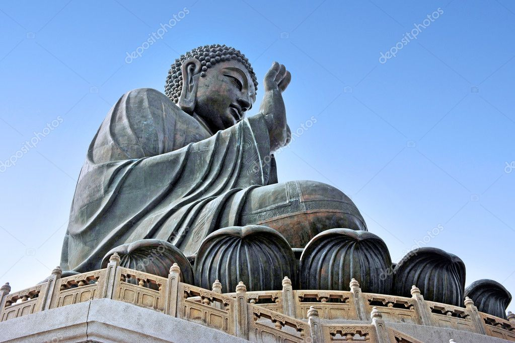 The Giant Buddha in Po Lin Monastery Hong kong cityscape, China. — Stock Photo #11065544
