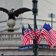 American Flags and Eagle Statue — Stockfoto