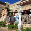 Statues near the houses in Tel Aviv — Stock Photo