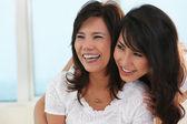 Lycklig mor och dotter — Stockfoto