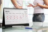 Couple quarrel with negative pregnancy test — Stock Photo