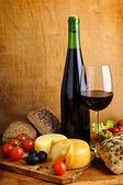 Food and wine — Stock Photo
