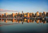 Vancouver skyline at sunset — Stock Photo