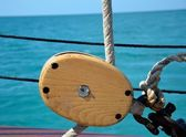 Nautical pulley and lines — Stock Photo