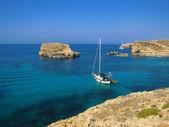 Blauwe lagune in comino - malta — Stockfoto